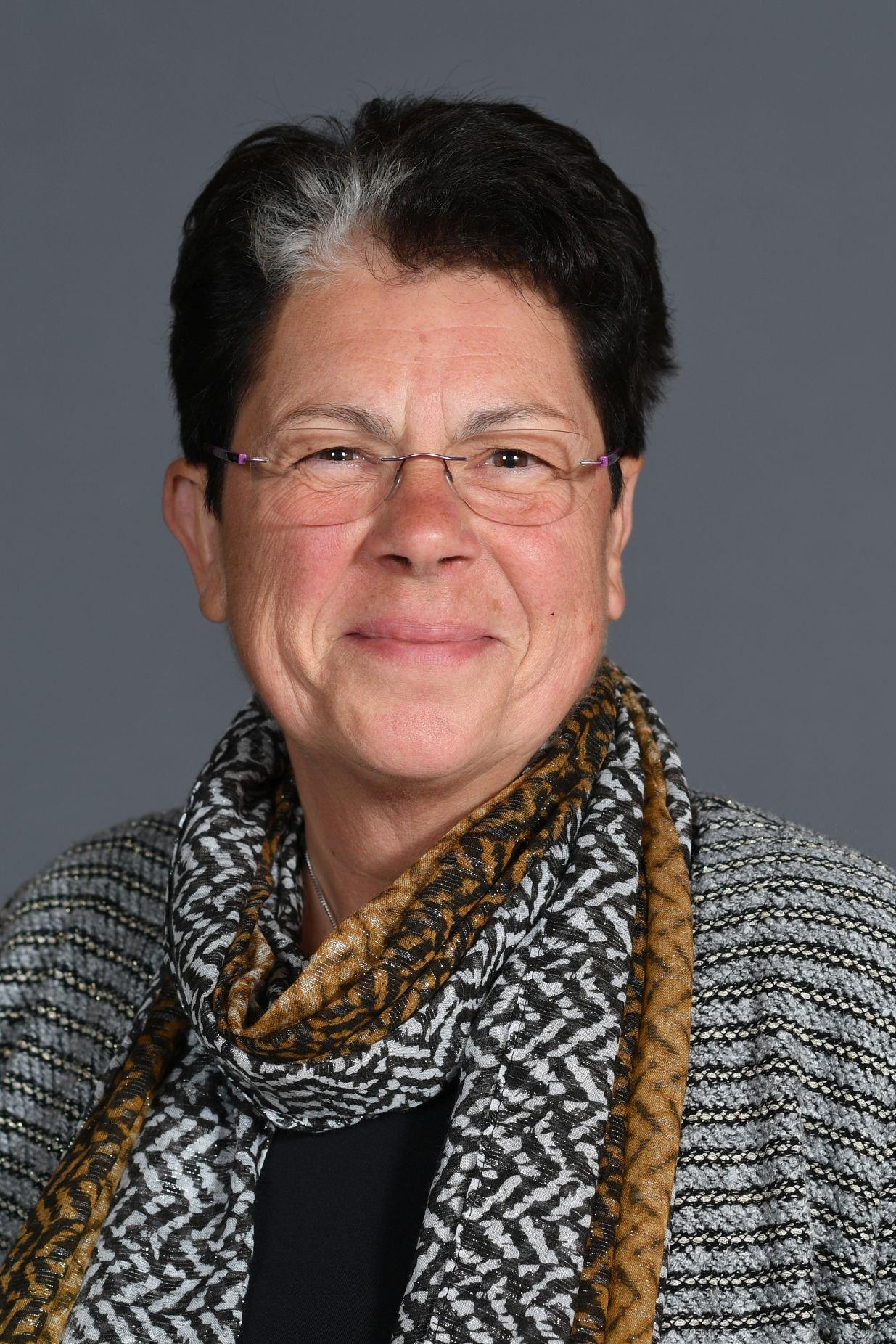 Dr. Ursula Herold-Schmidt.jpg